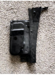 1002013 Tenuta alloggio plastica fanalino stop sinistro Microcar MC1